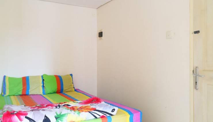 Snowy Wisma Gading Permai Jakarta - Bedroom