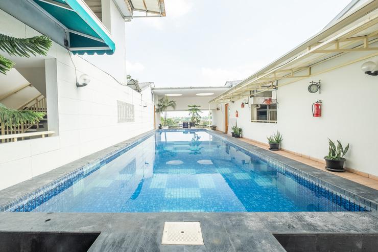OYO 818 Micasa Residence Bandung - Swimming Pool