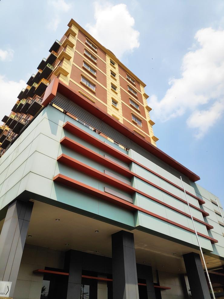 Hotel Alia Matraman Jakarta - Exrterior
