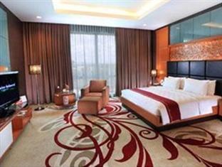 Swiss-Belhotel Kendari - Guest Room