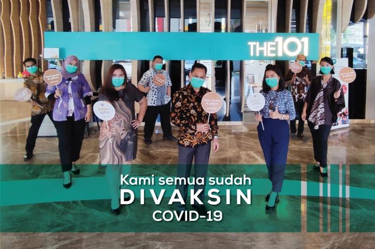 The 1O1 Palembang Rajawali - Staff vaksin