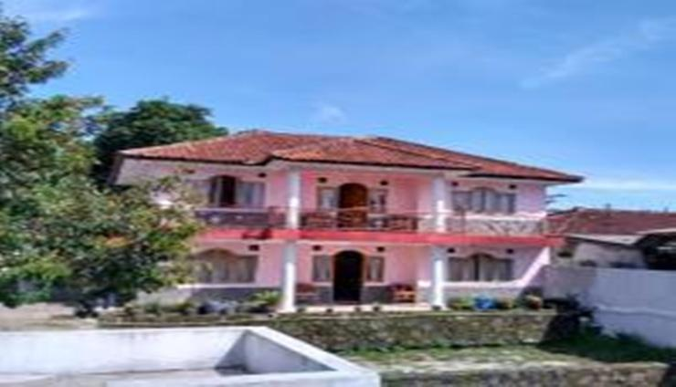 Villa Keluarga Sari Intan Subang - Facade