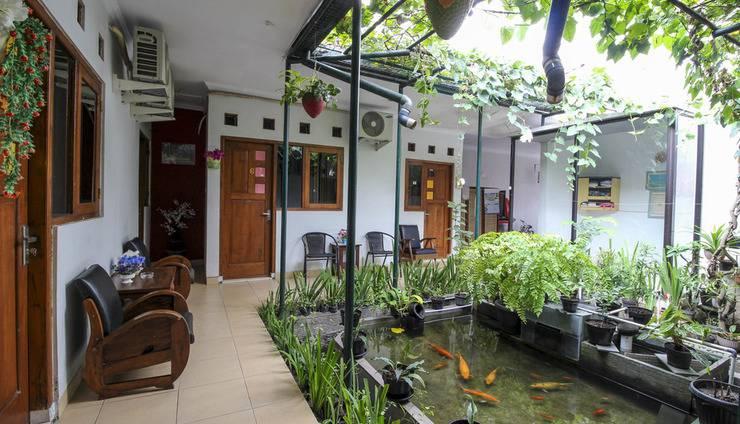 RedDoorz Plus near Hartono Mall Yogyakarta - Exterior