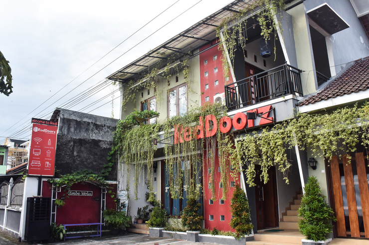 RedDoorz near Hartono Mall Yogyakarta - Photo