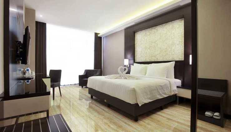 Grand Karlita Hotel Purwokerto Purwokerto - DELUXE KING SIZE BED