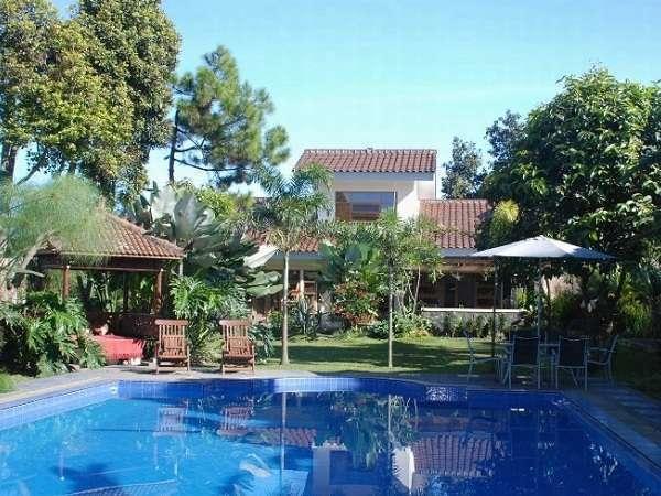Five Cloves Villa Bandung -