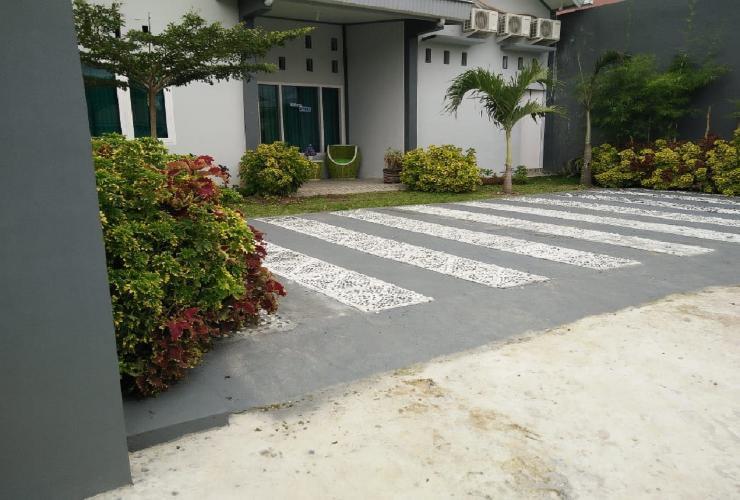 Wisma Ayank Padang - Exterior