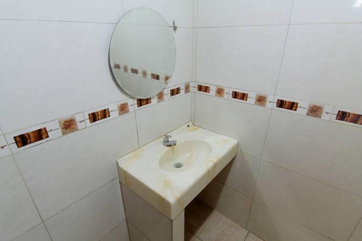 Hotel Musafira Yogyakarta - Bathroom