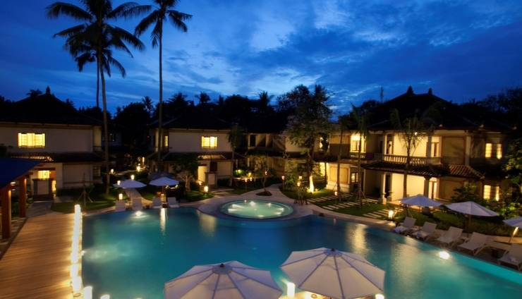 Grand Whiz Nusa Dua - Luar Hotel