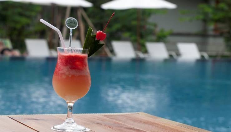 Grand Whiz Nusa Dua - Pool Bar