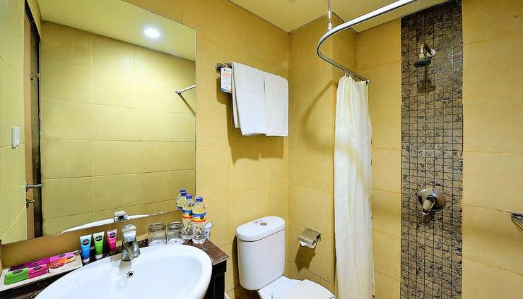 Hotel Dafam Cilacap - kamar mandi