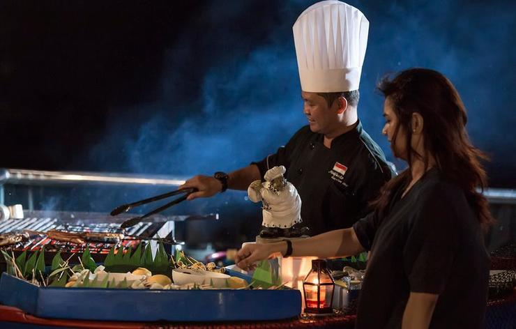 Swiss-Belhotel Silae Palu - Barbeque by the bay