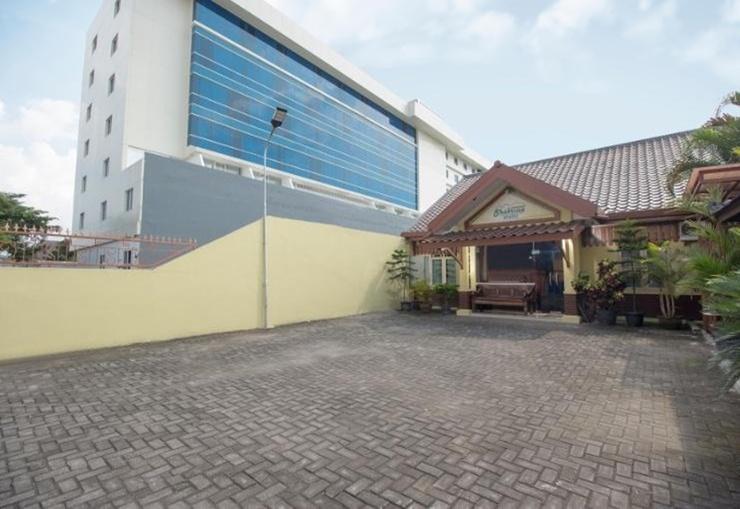 Pondok Shabrina Family Homestay Yogyakarta - Exterior