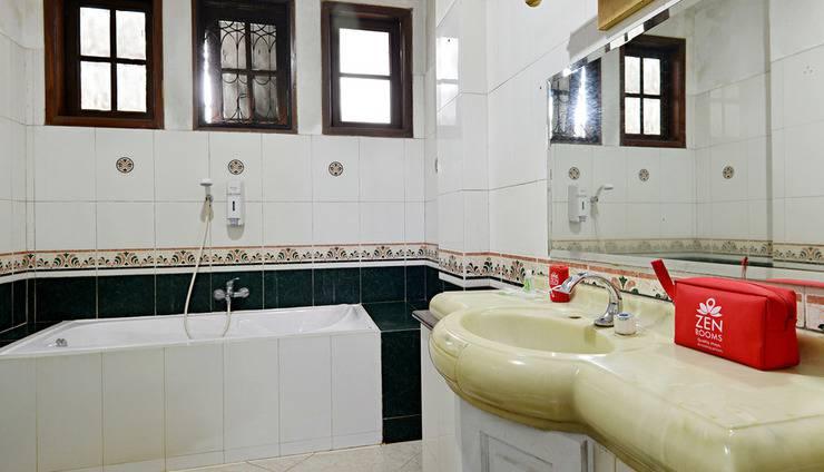 ZenRooms Villa Duta - Kamar mandi