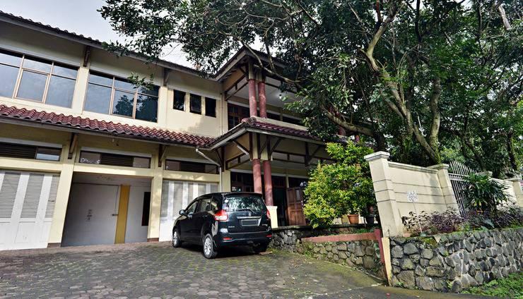 ZenRooms Villa Duta - Tampak luar