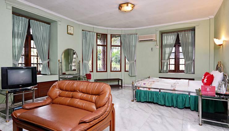 ZenRooms Villa Duta - Kamar Double