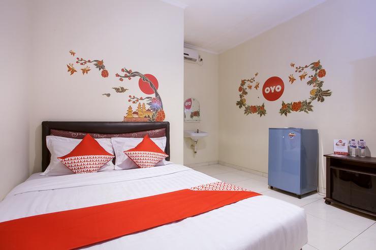 OYO 138 Graha 99 Surabaya - Bedroom