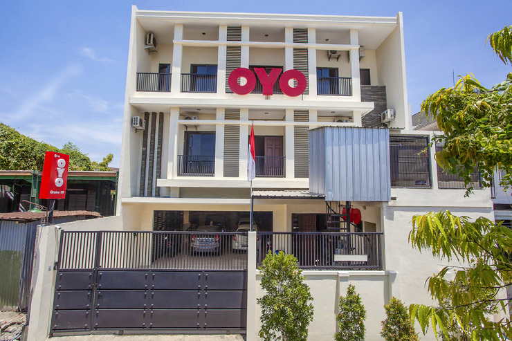 OYO 138 Graha 99 Surabaya - Facade