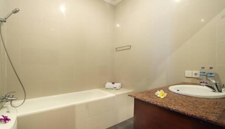 Putri Ayu Cottages Bali - Kamar mandi