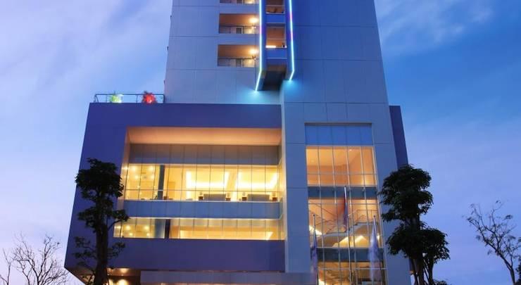 Swiss Belinn Manyar Surabaya - Tampilan Luar Hotel