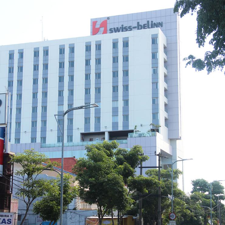 Swiss Belinn Manyar Surabaya - Tampilan Luar Gedung