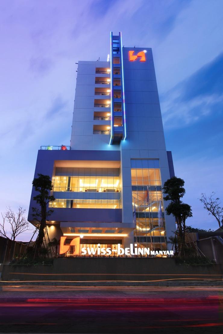 Swiss Belinn Manyar Surabaya - Pemandangan Luar Gedung
