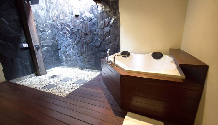Natya Hotel Tanah Lot - Deluxe BathRoom