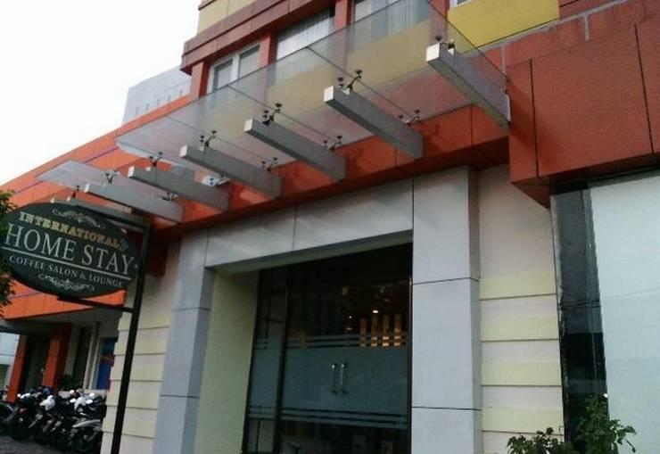 International Hotel Surabaya - Tampilan Luar Hotel