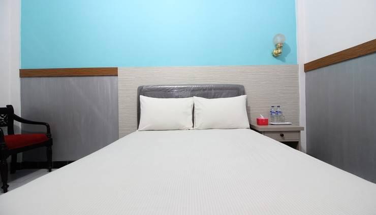 Hotel Surya Putri Yogyakarta - Bedroom
