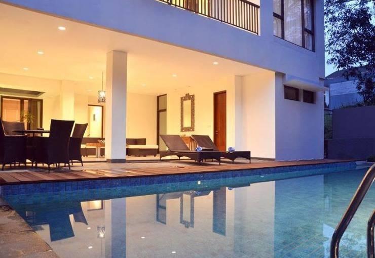 5 BR Pool Hill Side Villa Dago - Kolam Renang