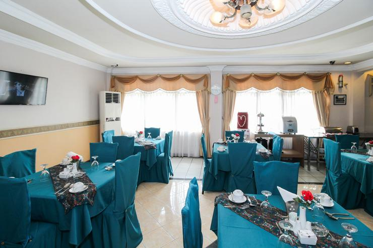 Airy Tanjung Karang Raden Intan 114 Bandar Lampung - Restaurant