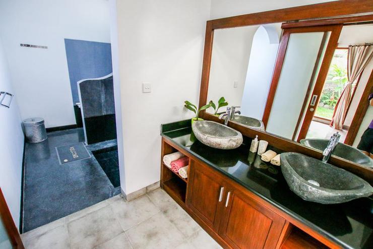 Villa Cinta Seminyak Bali - Bathroom