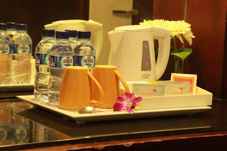 Semesta Hotel Semarang - pembuat kopi