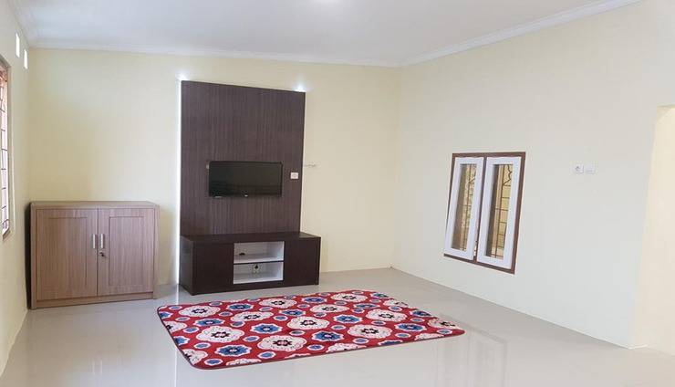 De Hanami Homestay Cirebon - Living Room