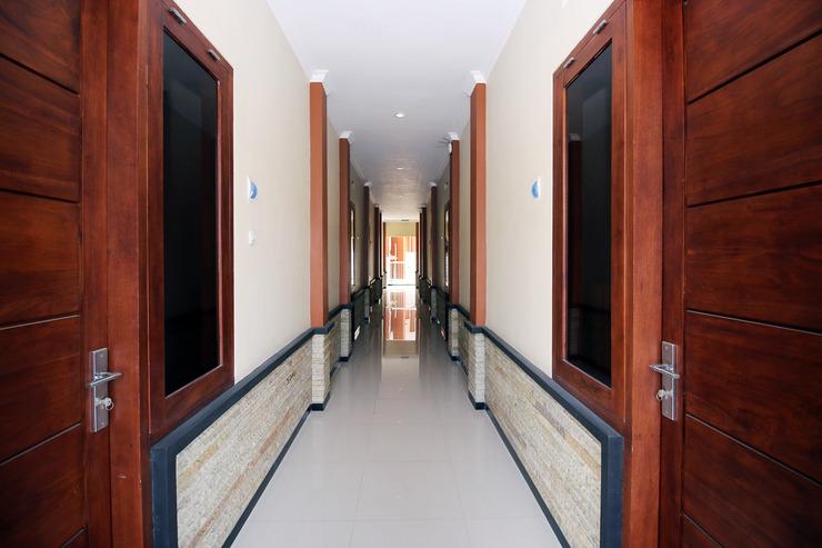 Cah Ayu Guest House Syariah Malang - Interior Detail