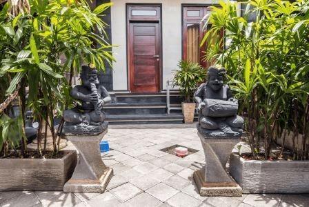 Harga Hotel Tinggal Standard Seminyak Gang Rahayu (Bali)