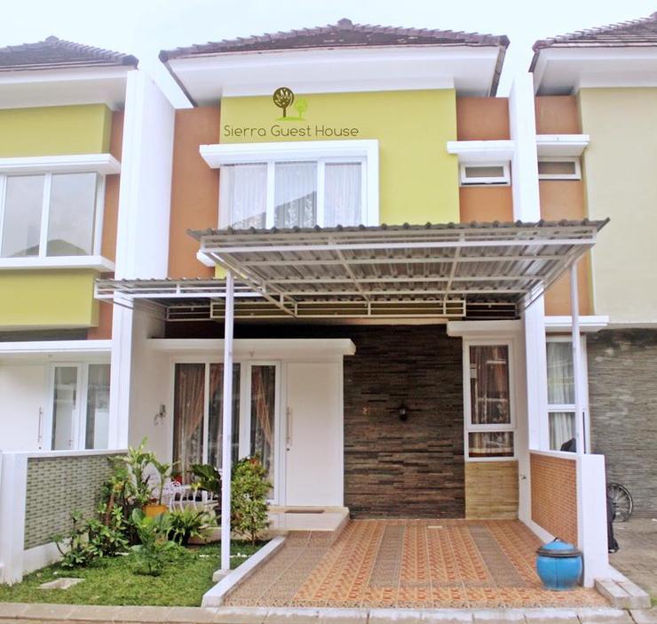 Sierra : 2 Bedroom Villa Malang - Facade