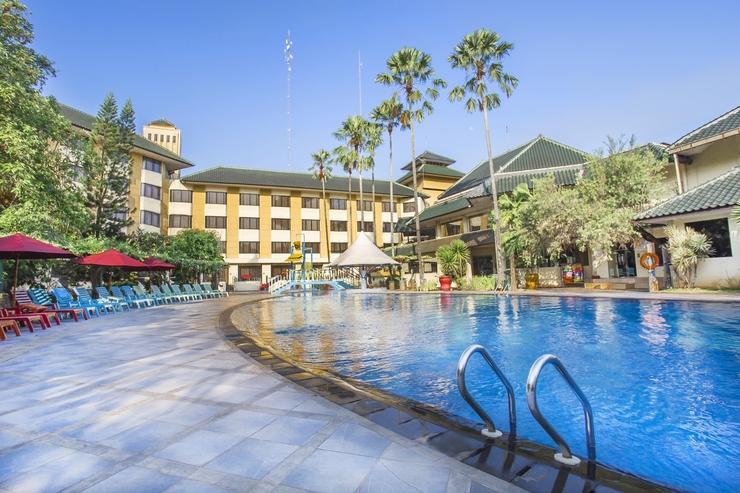 Prime Plaza Hotel Purwakarta - Kolam Renang Outdoor