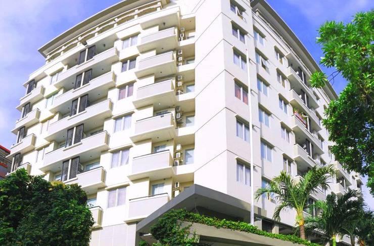 Hotel Golden Sky Pluit Jakarta - Building