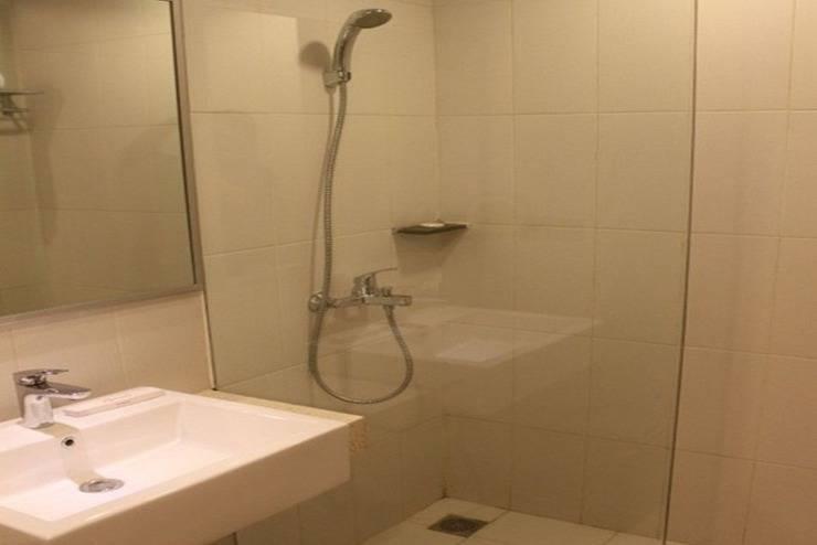 Burza Hotel  Yogyakarta - Kamar mandi