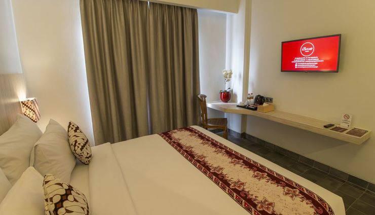 Burza Hotel  Yogyakarta - BedRoom