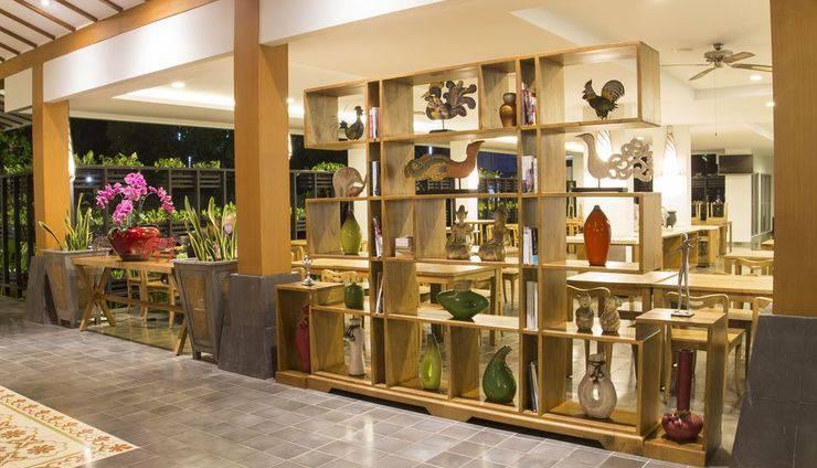 Burza Hotel  Yogyakarta - lobby