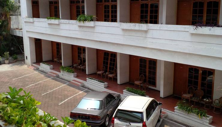 Kartika Abadi Hotel Madiun - Area Parkir