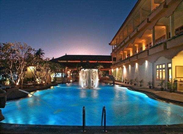 Febris Hotel Bali - Kolam Renang