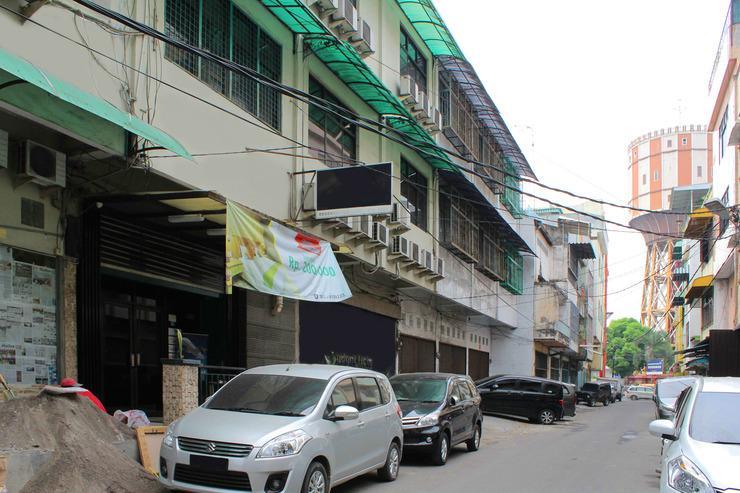 Airy Pasar Baru Selat Panjang 11 Medan - Exterior