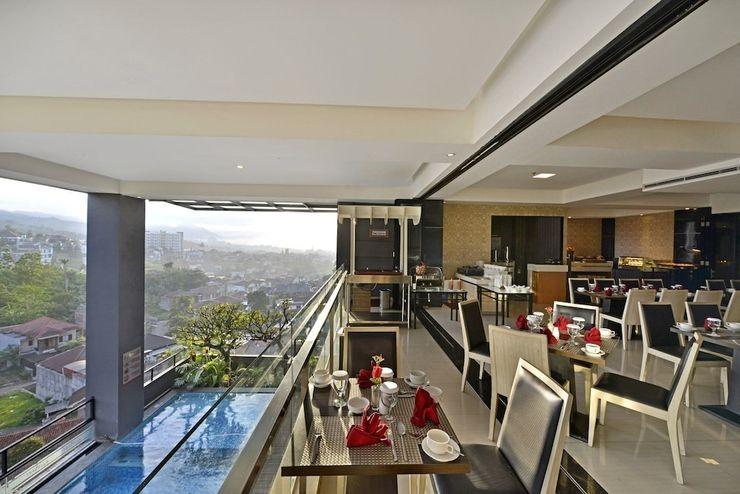 Travello Hotel Bandung - Restaurant