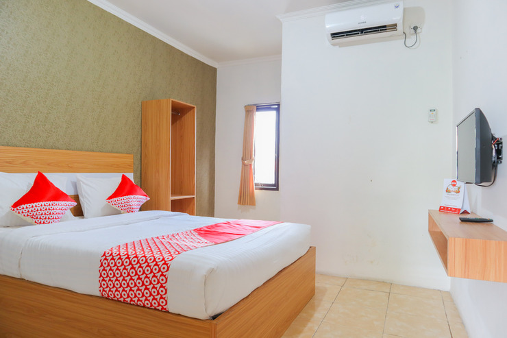 OYO 2547 Assirot Residence Near Medika PermataHijau Hospital Jakarta - Deluxe Double Bedroom