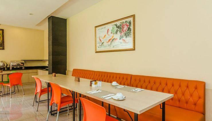 ZenRooms Legian Sri Laksmi Bali - Restoran