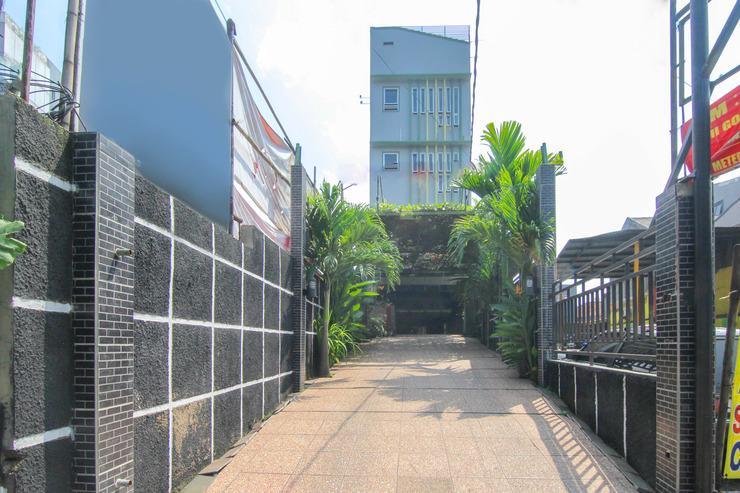 Airy Cihaurgeulis Surapati 235 Bandung - Exterior