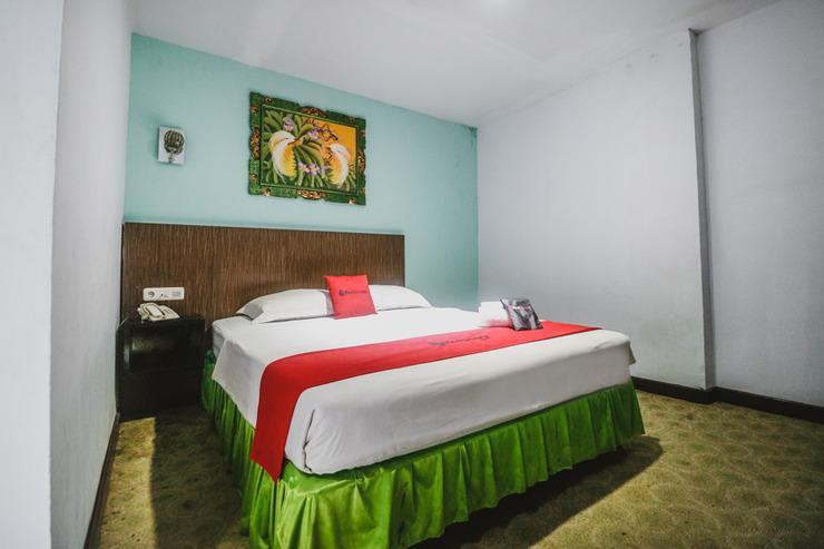 RedDoorz near Fort Rotterdam 2 Makassar - Guestroom